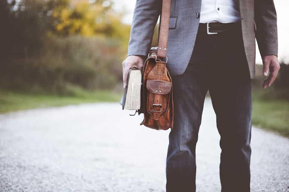 sacoul purtat cu blugi