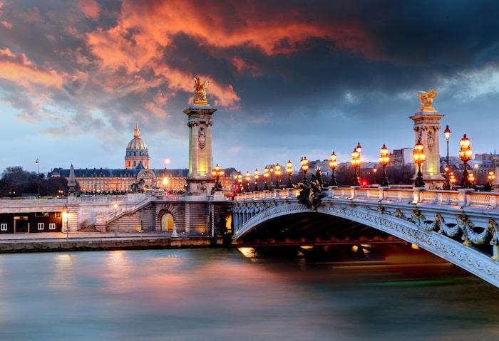 Alexandru al 3-lea pod Paris