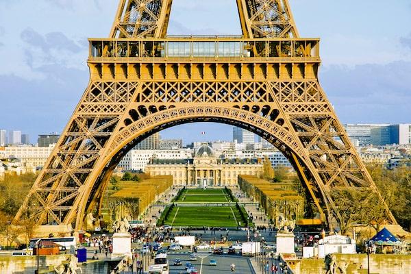 turnul eiffel city break în Paris